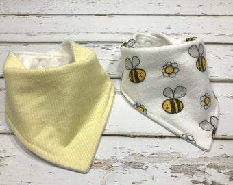 Organic Baby bib baby shower Gift Bandana bib Bee Bib Drool bib yellow baby bib bumblebee bib gender neutral bib gender neutral baby shower