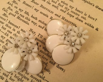 SALE! Perfect for spring! unique white floral earrings (A135)