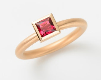 Cocktail ring rose gold 18kt with tourmaline pink 5 x 5 princess cut engagement, stacking ring