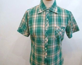 sweet figure-hugging 50s 60s vintage ladies blouse green checkered