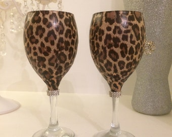 Brown leopard print glass with diamanté collar