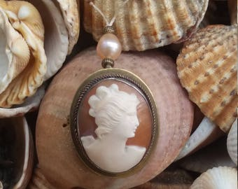 Antique Cameo and pearl necklace