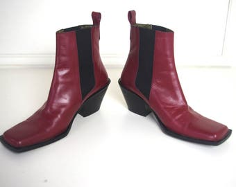 GUESS italian made cowboy/chelsea red 90's boots Sz 37 / 7
