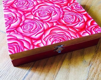 Jewelry box art. Rose. Roses. Painting.