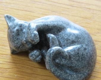 Tiny kitten / cat sculpture, figurine,collectible