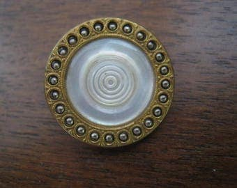 Antique Mother of pearl Pearlescent white 23 mm metal button