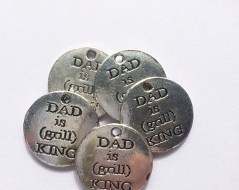 5 x Dad is Grill King Charms