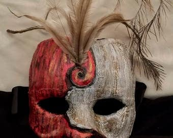 3/4 Red Feathered Mask
