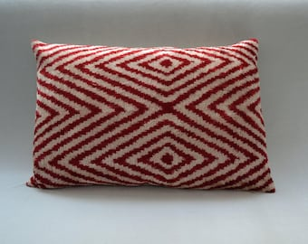 Handmade 21 x 16 inch Ikat Natural-Dyed Red and Cream Velvet and Silk Pillow Cover