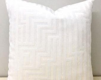 Luxury Cream Velvet Pillow Cover, Cream Pillows, 18X18 Velvet Pillow, Decorative Pillow, 24X24 Throw Pillow, Velvet Cushions, Velvet Pillows