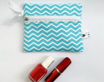 Blue White Chevron Pattern Padded Make-up Cosmetic Pouch with Zipper, Storage Toiletry bag, Coin purse