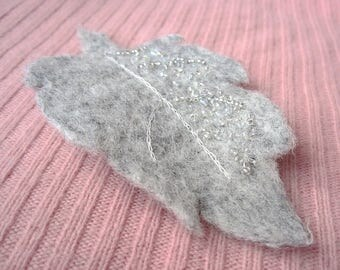Embroidered Felt Beaded Brooch Frozen Leaf Light Grey Pin for Scarf Natural Wool Botanical Jewelry Hand-felted Jewellery Christmas Gift OOAK