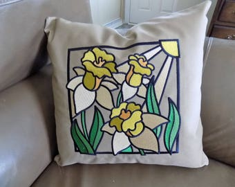 Daffodil Toss Pillow Cover