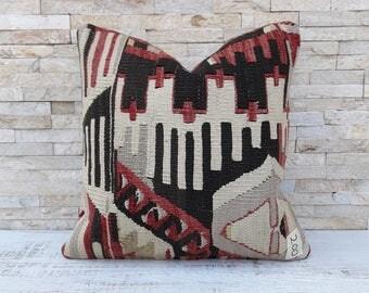 Kilim pillow, Kilim pillow cover, Boho pillow, Home living, Wintage pillow, Home design, Decorative pillow, Turkish pillow, Kilim cushion