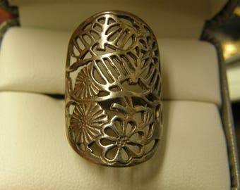 Sterling Silver Floral Filigree Ring  - Size 8