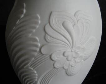 AK Kaiser bisque vase