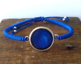 Resin and cord blue bracelet
