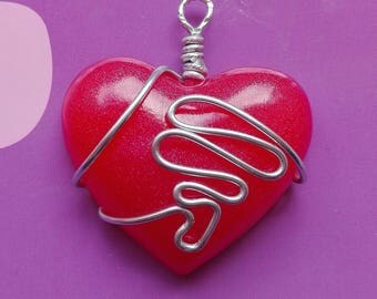 resin heart pendant necklace set with tencica wire