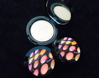 LIS Pressed Eye shadow/ Highlighter/ Illuminators in beautiful IvoryLace Shade that comes in black, sleek compact + Freebies