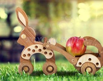 Игровой набор зайчик с повозкой. Wooden Toy Bunny Push Toy