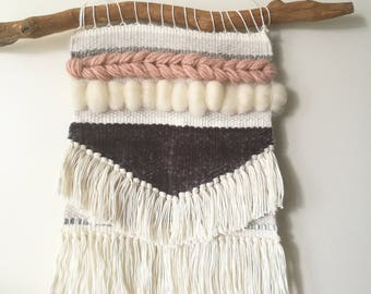 Woven wall hanger, weefje