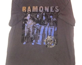 Vintage ramones rock band t-shirt