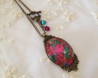 Frida Khalo cameo necklace flowers.