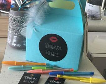 Witness box for girls