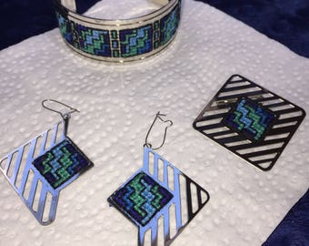 vintage geometric design jewelry set