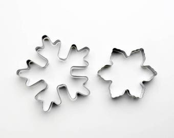 2pcs/Set Snowflake Cookie Cutters- Fondant Biscuit Mold - Pastry Baking Tool Set