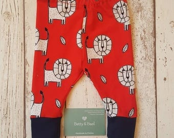 Red lion print organic jersey leggings with navy cuffs 0-3 months