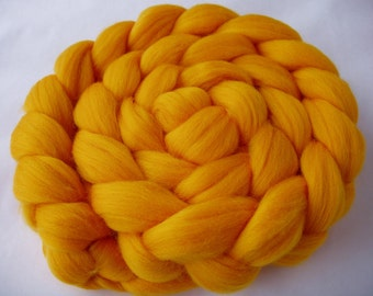 SUNFLOWER YELLOW, merino wool roving, spinning fiber, felting wool, super soft, 20 micron, unspun merino wool, dreads, dolls hair,3.5oz