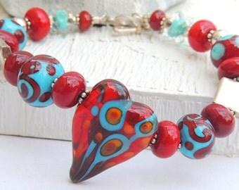 DRAMATIC HEART Handmade Lampwork Bead Bracelet