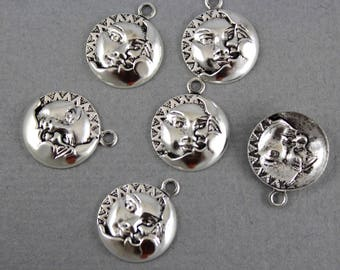 Antique Silver plated Moon and Sun charms, celestial, planet, universe - 13mm x 16mm - 6 pcs - STM107