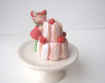 Tiny fairy with cake stand