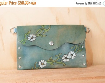 JANUARY SALE Pouch - Clutch - Wristlet - Waist Bag - Small Purse - Make-up Bag - Leather in the Willow Pattern with flowers and vines - Blue