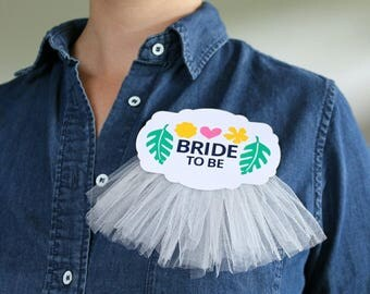 Bridal Shower Corsage Pin 'Bride to be'