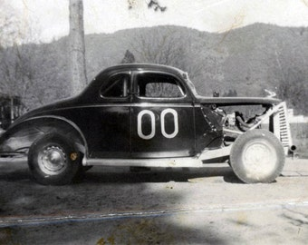 Vintage photo 1950s Pontiac Hot Rod 00 Coupe RAce CAr Racing Oregon Engine Exposed