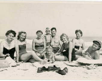 Vintage photo 1950 SHOES loafers Beautiful Bathing Beauty Women Girls Family Group at Beach