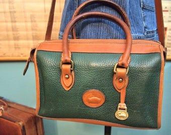 Dooney Bourke Green & British Tan Leather Crossbody Bag Purse Messenger Hobo doctor