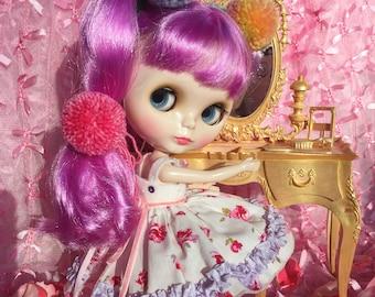 Blythe .. Golden Girl Vintage Dollhouse Vanity.. Stunning!!.. Ooak!!