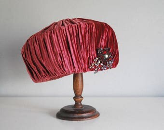 1960s Pillbox Hat, Mr. John Boutique Hat, Raspberry Red Velvet Hat, Vintage Rhinestone Brooch, Mid Century Fashion, Brimless Formal Hat