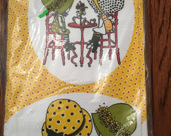 Holly Hobbie Paper Tablecloth