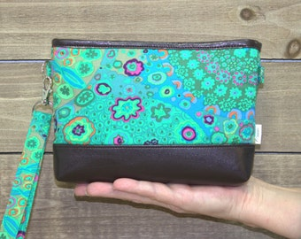 iPhone Wallet Wristlet, iPhone 7 Plus Crossbody, Samsung Galaxy Note, S6 S7 Edge, Cell Phone Purse Clutch, Card Slots / Green Kaleidoscope