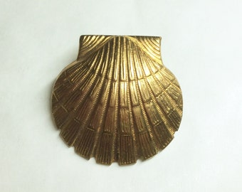 Sea shell tie tac fitting brooch pin from raw brass  vintage finding seaside scallop shell