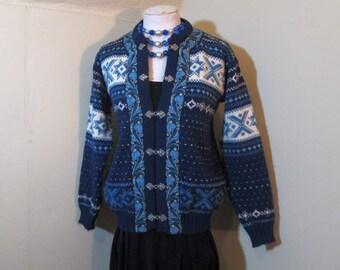 Norway Vintage Sweater Blue Wool Cardigan Snowflakes 70s Norwegian Wool Cardigan Blue Nordic sweater Pewter Hooks Blue braid trim sweater M
