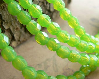Mantis Opal Czech Glass Beads Lime Green Round Fire Polished Faceted 4mm (50)