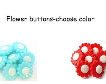 10 Flower buttons 15mm light blue or red with white center great for button jewelry