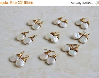 Black Friday Sale White Coin Pearl Gold Baroque Dangle Earrings GE10