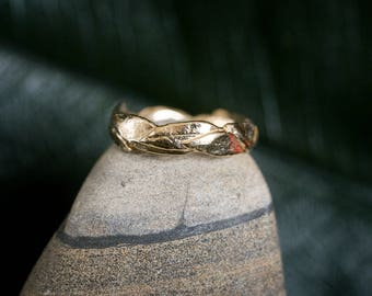 14k Large Leaf Ring | Stacking Ring | Nature Inspired